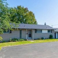 #Upper - 97 Thickson Rd N, Whitby, Ontario L1N 6M9