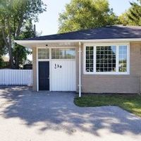 130 Maurice Crt, Newmarket, Ontario L3Y 2W2