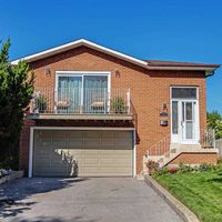 1549 Lewes Way, Mississauga, Ontario L4W 3S4