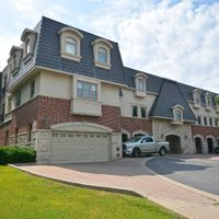 #202 - 390 Upper Middle Rd, Oakville, Ontario L6H 0A5