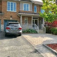 11 Grasslands Ave, Richmond Hill, Ontario L4B 4L3