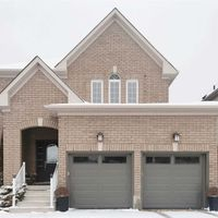 6 Connaught Lane, Barrie, Ontario L4M 0A4