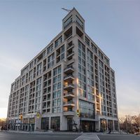 #1112 - 1 Old Mill Dr, Toronto, Ontario M6S 0A1