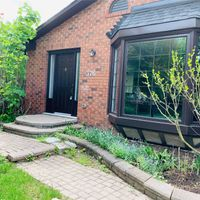 #Main - 376 Lorne Ave, Newmarket, Ontario L3Y 4L2
