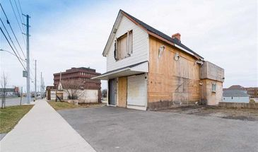 159 Queenston St, St. Catharines, Ontario L2R 3A1