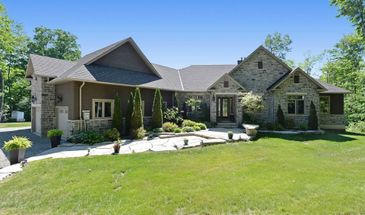 9 Country Club  Dr, Kawartha Lakes, Ontario K0M 1N0