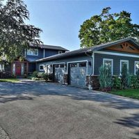 709 Lakeshore Rd, Fort Erie, Ontario L2A 1B8