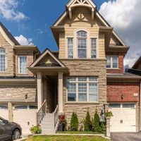 15 Stan Roots St, King, Ontario L7B 0C4