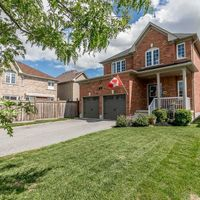 33 Connaught Lane, Barrie, Ontario L4M 0A6