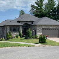 9 Lakewood Cres, Out of Area, On K8V 5P4