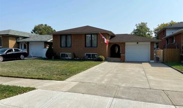 4 Green Forest Dr, Hamilton, Ontario L8G 3A7