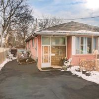 142 Septonne Ave, Newmarket, Ontario L3Y 2W3