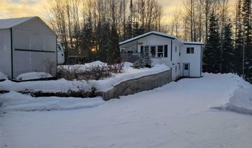10370 Fairway Rd, Out of Area, British Columbia V2K 5E7